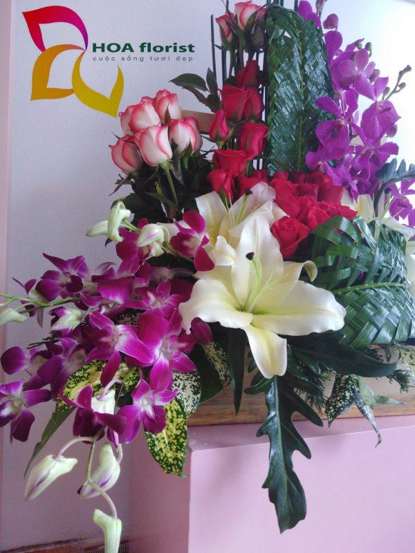 suối hát, lẳng hoa, lẳng hoa tươi, hoa hồng đỏ, hoa mocara, hoa denro, hoa ly vàng,